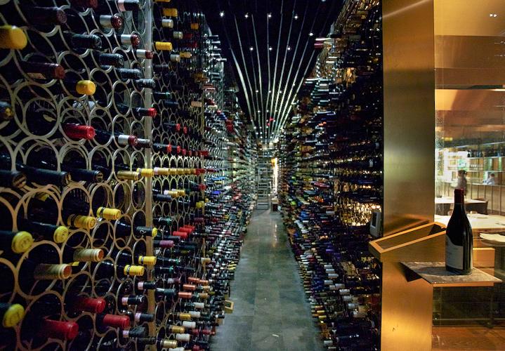 Las 12 tiendas de vinos m s espectaculares del mundo - Diseno de vinotecas ...