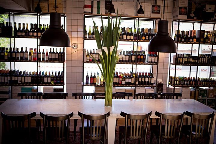 vinoteca-oporto-almacén