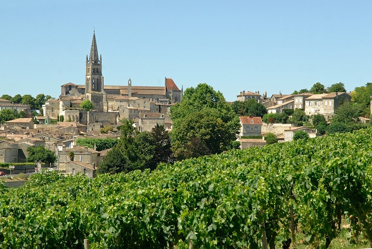 1-Village-de-SAINT-EMILION-credit-Anne-Lanta