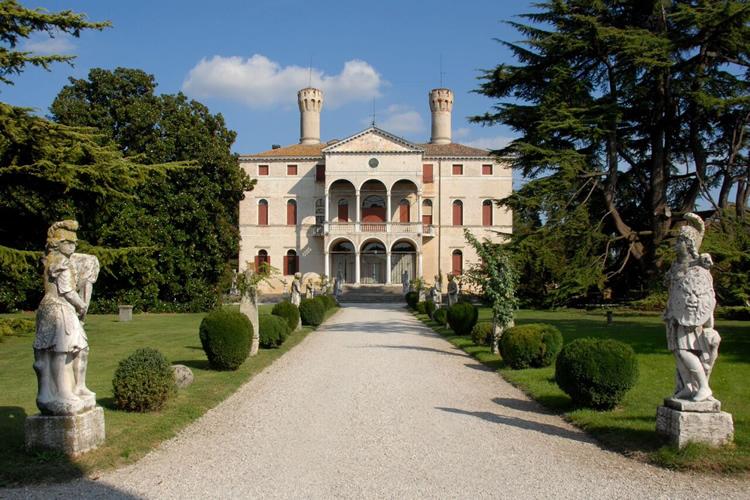 villa-giustinian-castello-di-roncade
